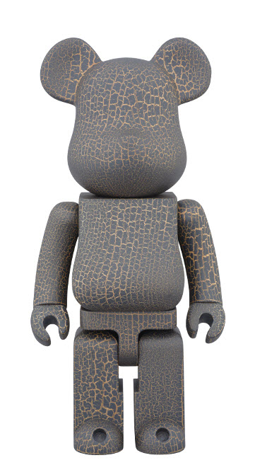 Bearbrick Karimoku [Cracked Paint] (400%)